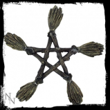 GOTHIC COLLECTION - Broomstick Wall Plaque 19cm - nástenná dekorácia