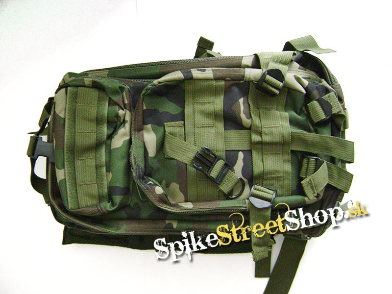 7cb325b4ce Popis produktu  Turistický ruksak v maskovaní WOODLAND.